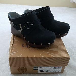 IOB! UGG Sz 8 Natalee Blk Leather Wedge Clog
